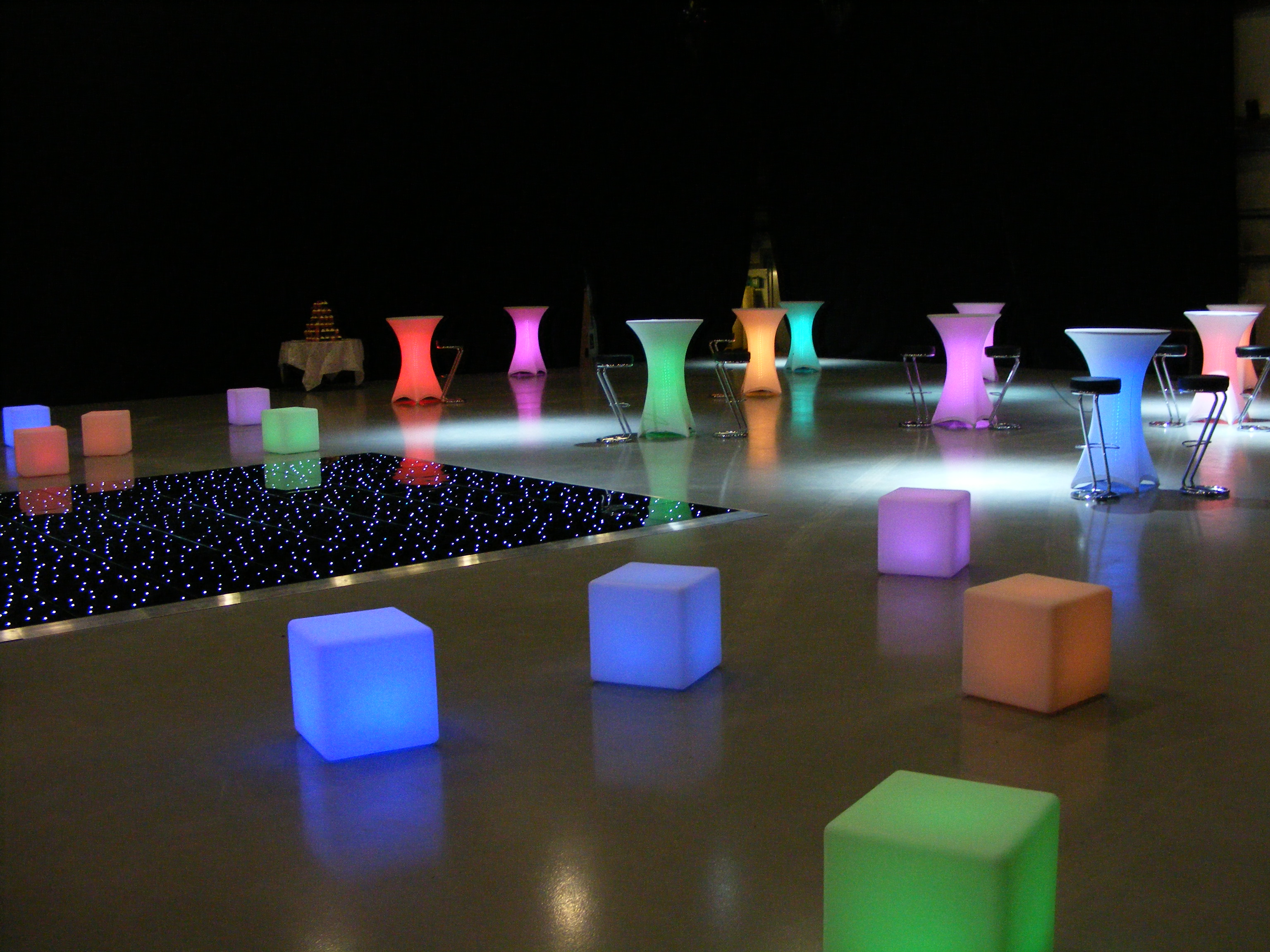 Illuminated Furniture Hire on oscar loveseat leather